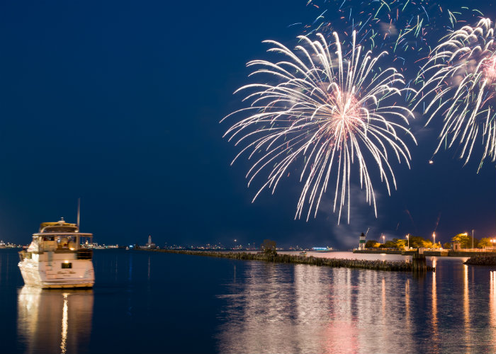 Chicago yacht charter fireworks