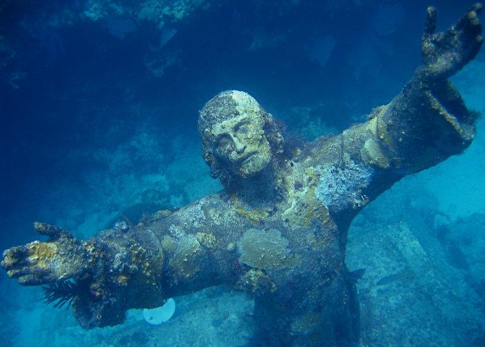 Florida Keys yacht charter - snorkeling Christ statue
