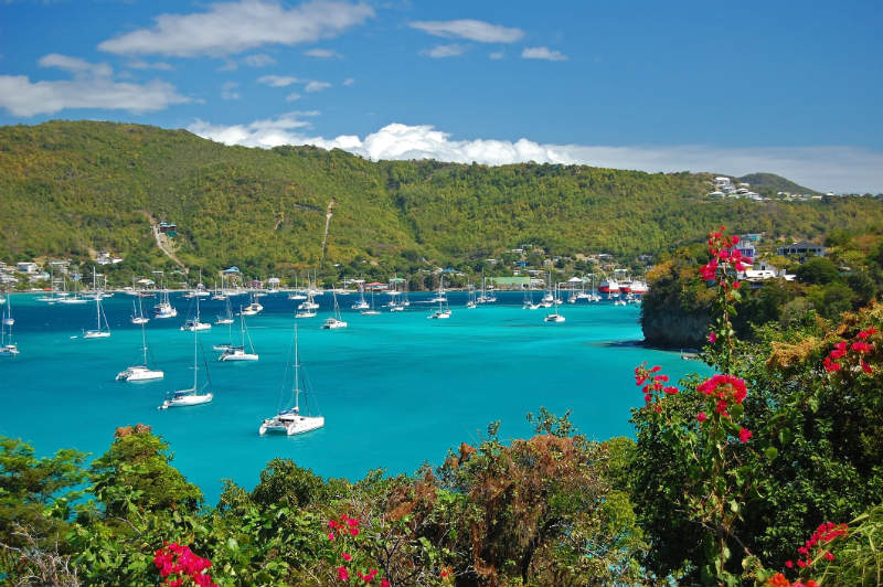 Grenadines yacht charter guide - Bay