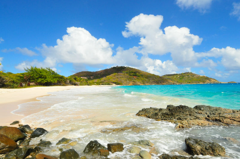 Grenadines yacht charter guide - Mustique