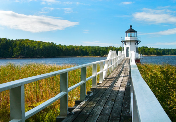New England yacht charter guide Maine