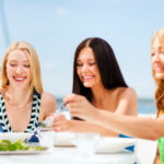 Florida yacht charter dockside dining
