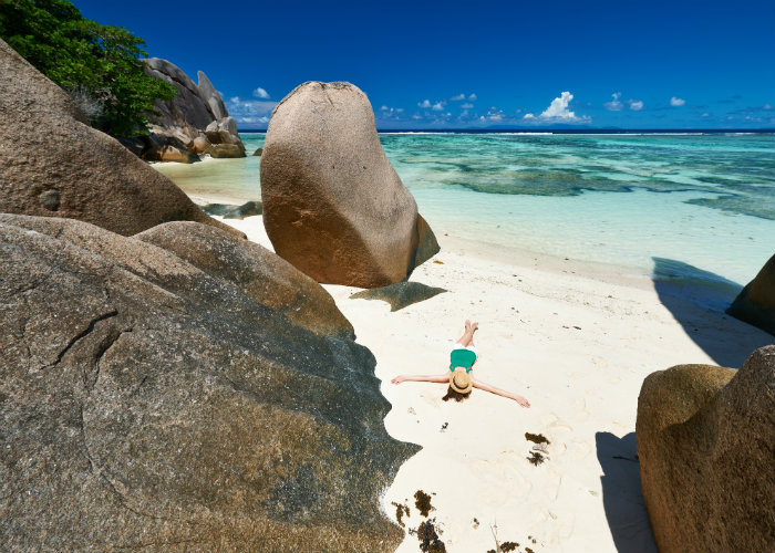 la digue yacht charter - beaches
